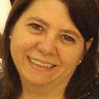 Tania Valéria Giovanelli Lopes